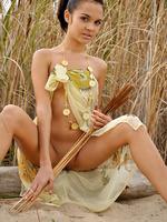 Teen Ingret Outdoors (nude photo 1 of 20)