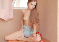 Sunna in Admiration (nude photo 4 of 20)