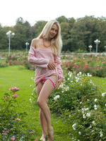 Dolly in Smell Of Roses by Amour Angels (nude photo 7 of 20)