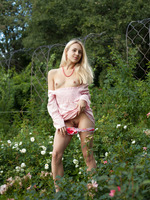 Dolly in Smell Of Roses by Amour Angels (nude photo 9 of 20)