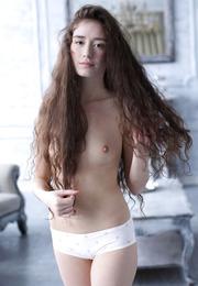 Lara Lee