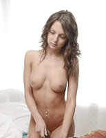Foxy Di in Pleasures of the East (nude photo 5 of 16)