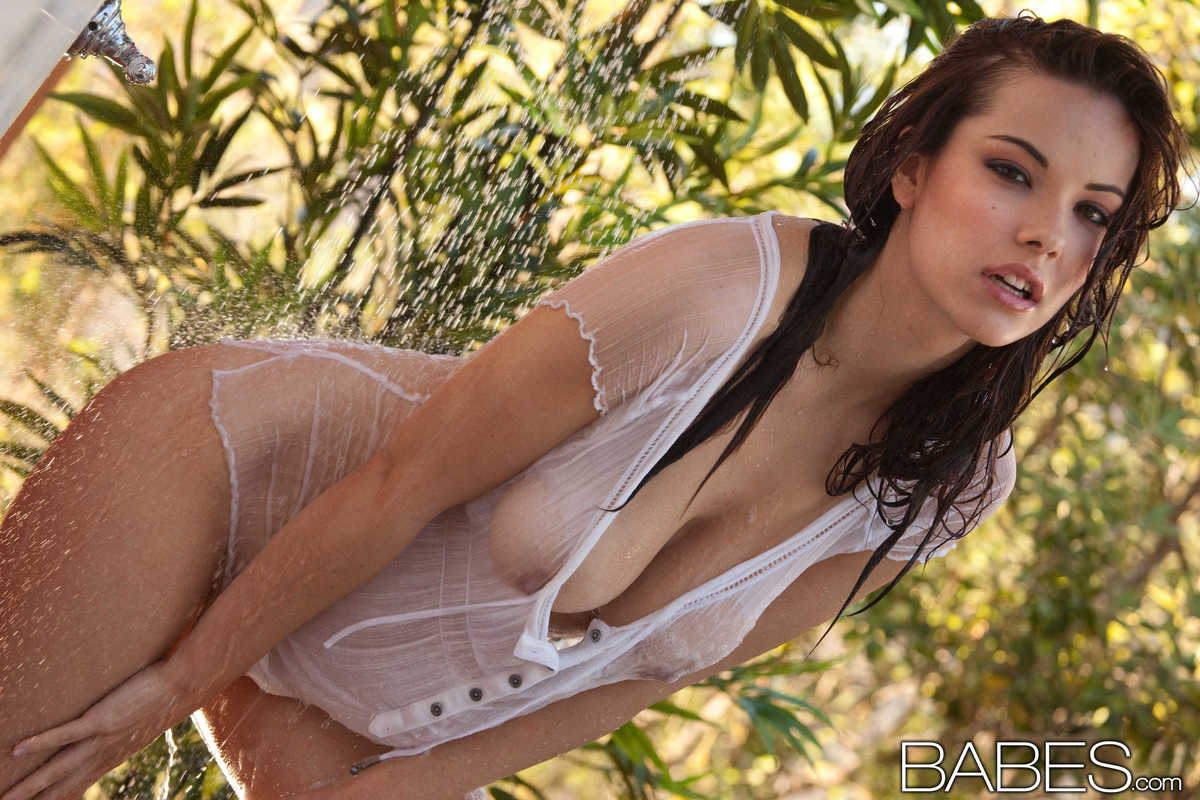 Elizabeth Marx In Wet Game By Babes 16 Photos  Erotic -2401