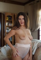 Francesca Dicaprio in Jewel by Breath Takers (nude photo 10 of 12)