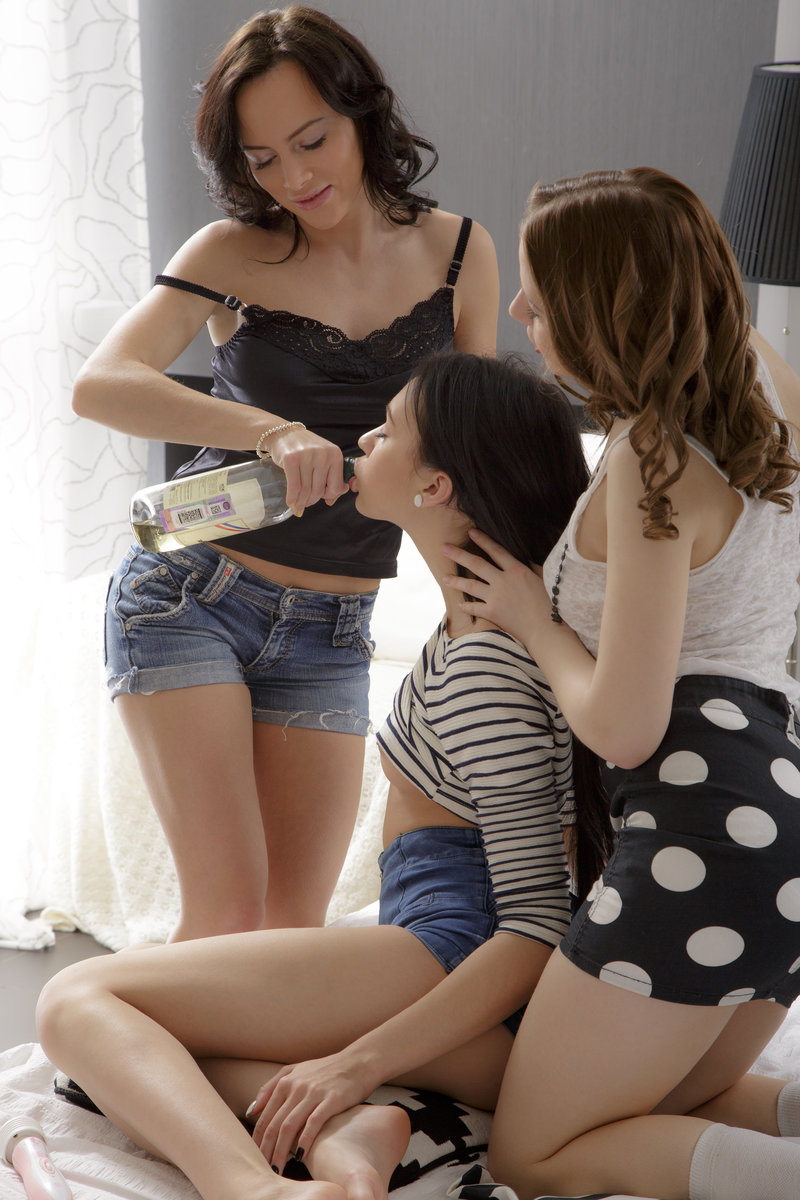 Bambi, Claudia  Melania In Girls Night By Colette 16