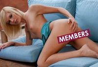 Heavenly Hayden Hawkens undresses her tan body and spreads (nude photo 16 of 16)