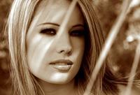 Ashley Brookes (nude photo 4 of 17)
