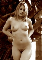 Ashley Brookes (nude photo 7 of 17)