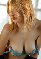 Beautiful Bree Daniels strips out of cute lingerie to spread (nude photo 6 of 17)