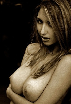 16 Pics: Shay Laren Nude Art