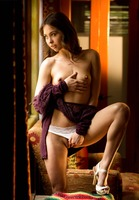 Riley Reid in WIndow Tease by Digital Desire (nude photo 4 of 16)