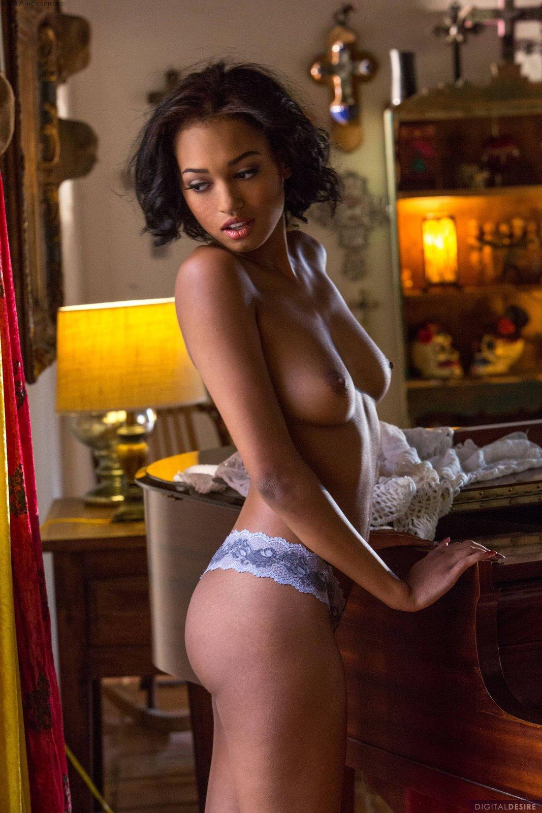 Noel Monique In Sensual Look By Digital Desire 12 Photos -8369