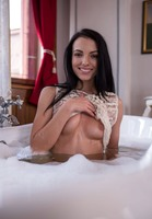 Evinka in Bathtime by Digital Desire (nude photo 9 of 16)