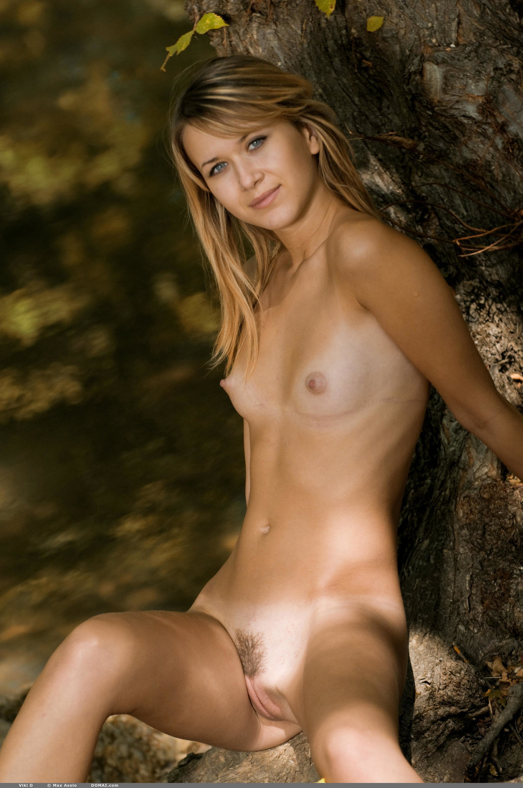 Babes Nude Outdoors
