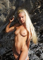 Silvia C in Cave Beauty (nude photo 7 of 16)