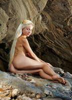 Silvia C in Cave Beauty (nude photo 8 of 16)