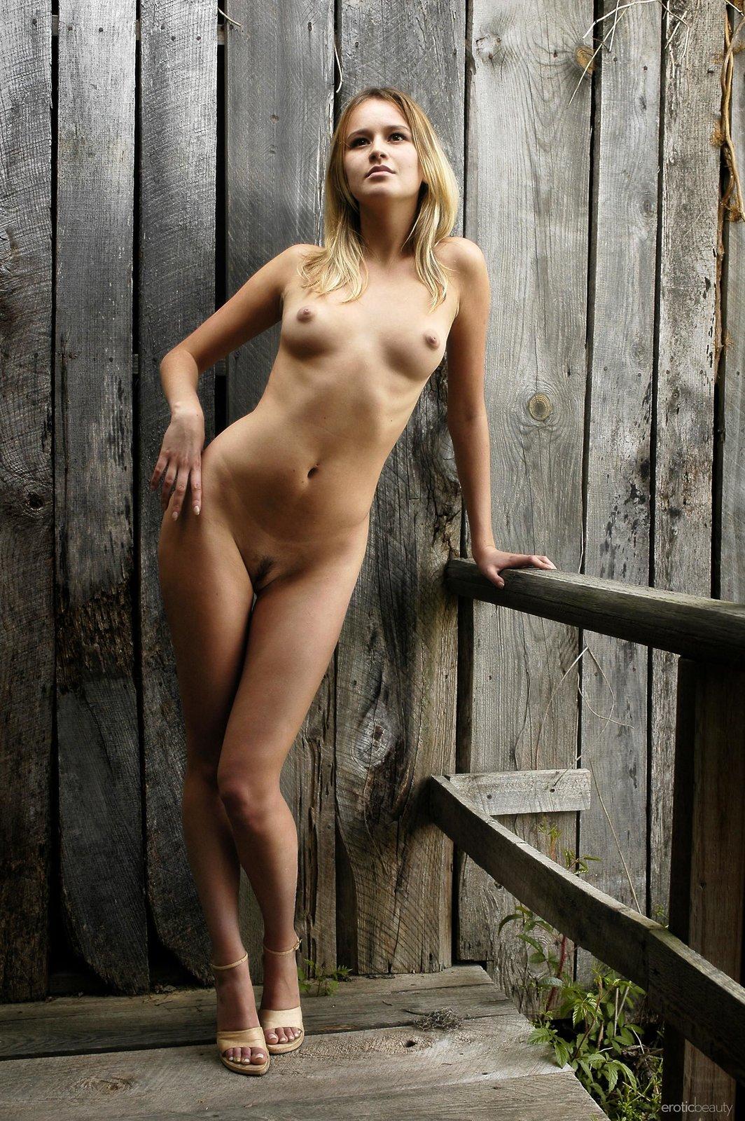 Julie silver escort
