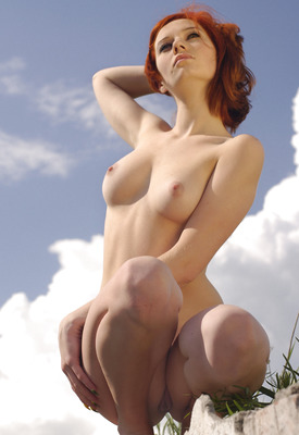 12 Pics: Elis B in outdoor nature nudes for Erotic Beauty