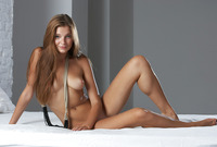 Teen bombshell Belle teases and plays naked in her bedroom (nude photo 2 of 16)