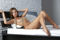 Teen bombshell Belle teases and plays naked in her bedroom (nude photo 4 of 16)