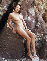 Sienna in Rocheux (nude photo 3 of 16)