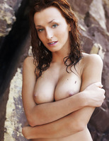 Sienna in Rocheux (nude photo 16 of 16)