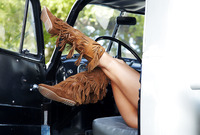 Curvy exotic babe Nadia posing nude in pickup truck (nude photo 5 of 16)