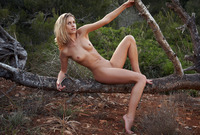 Iveta in Scusso by Errotica Archives (nude photo 15 of 16)