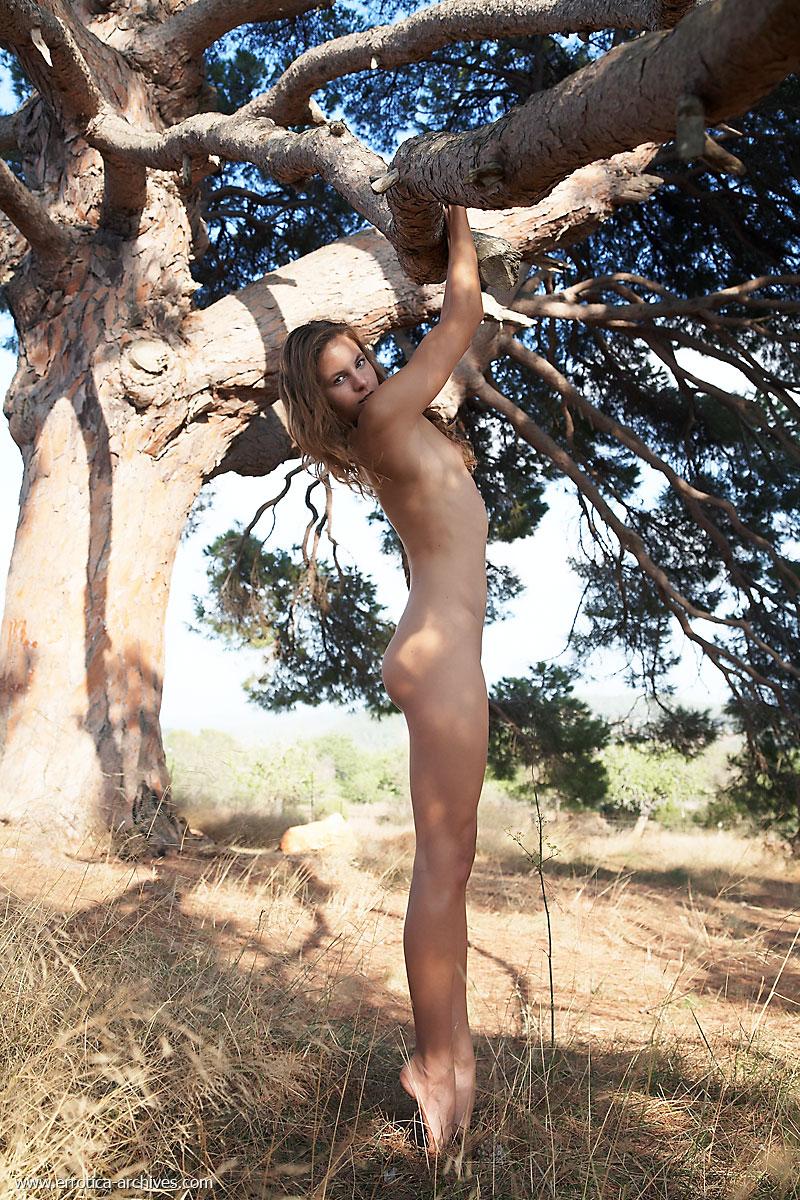 Softcore Pics Of Petite Antea By Errotica Archives 16 Photos  Erotic -2909