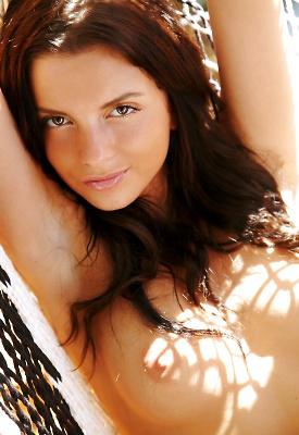 16 Pics: Stunning nudes of Anastasia