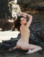 Lorena in Versatil by Errotica Archives (nude photo 2 of 12)