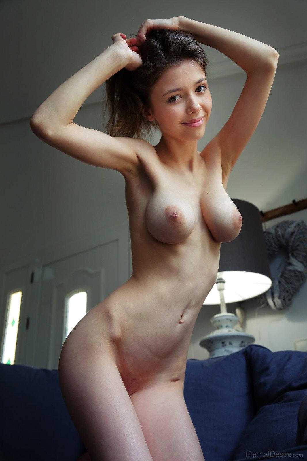 Nude girl big tits