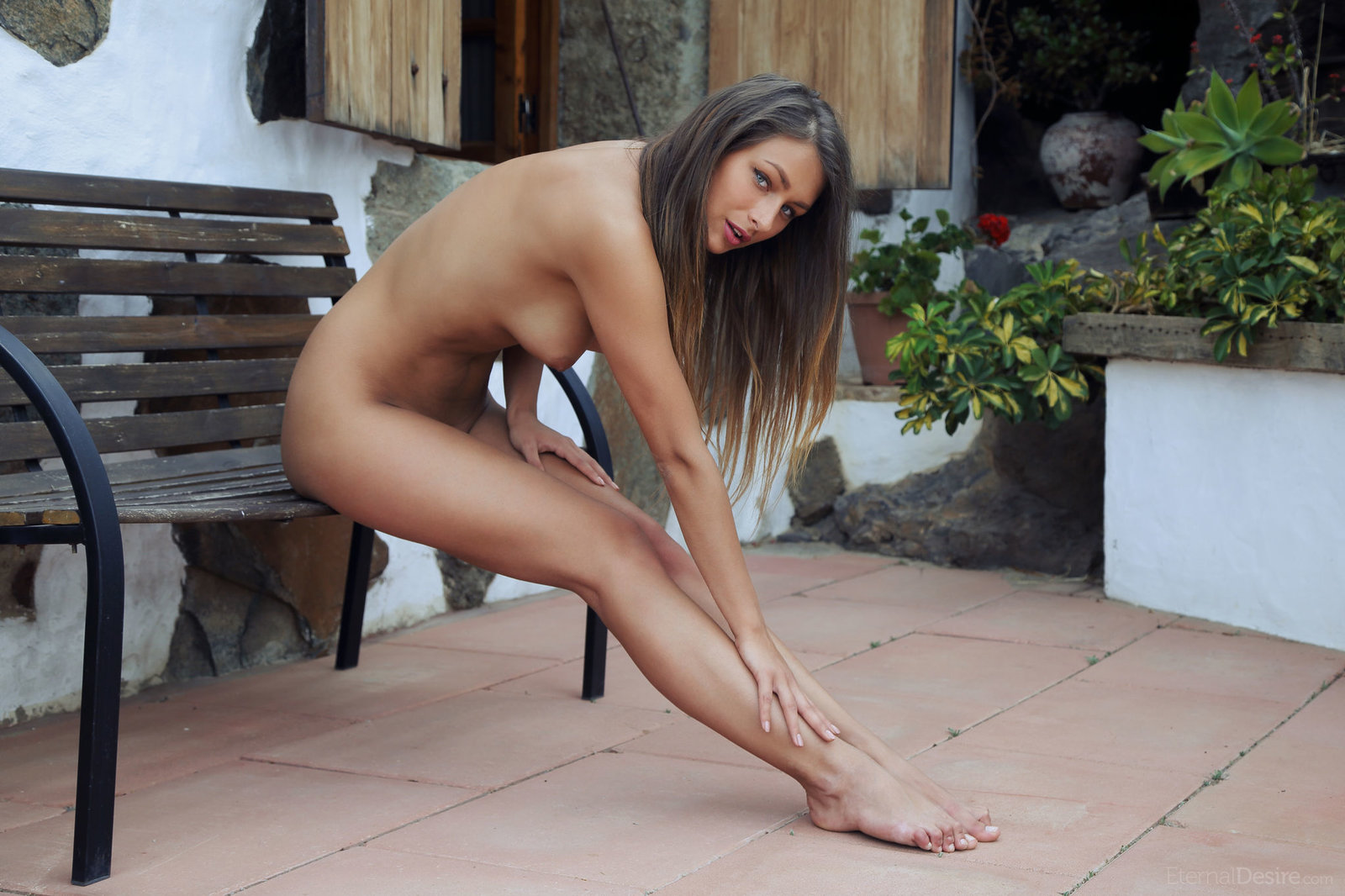 seks-devushkini-nogi-golie-foto-muzhchin