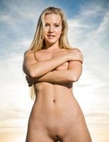Nude Blonde Jana (nude photo 11 of 16)