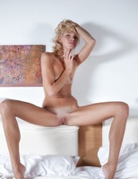 Skinny Blonde Lilly (nude photo 8 of 16)