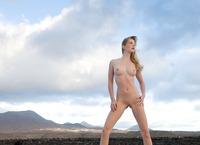Belinda in outdoor nudes (nude photo 10 of 12)