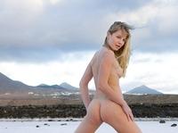 Belinda in outdoor nudes (nude photo 12 of 12)