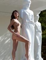 Alanis the Goddess (nude photo 2 of 16)