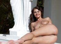 Alanis the Goddess (nude photo 14 of 16)