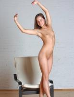 Nude 18 Year Old Dana (nude photo 12 of 16)