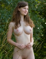 Susann in Something Special (nude photo 2 of 12)