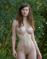 Susann in Something Special (nude photo 3 of 12)