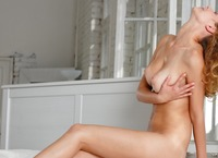 Anne in Wake Up With Me (nude photo 15 of 16)