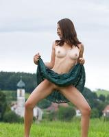 Nicolette in My Homeland (nude photo 1 of 12)