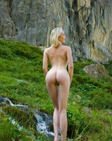 Katy in Swiss Mountains (nude photo 3 of 12)