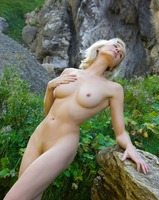 Katy in Swiss Mountains (nude photo 6 of 12)