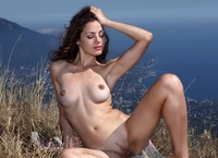 Vani L. in To The Limit (nude photo 3 of 16)