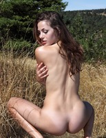 Vani L. in To The Limit (nude photo 10 of 16)