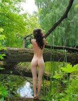 Jadi in Swan Lake (nude photo 9 of 16)