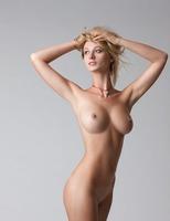 Carisha in Pure (nude photo 4 of 16)
